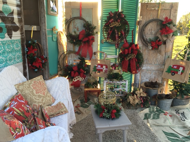 Rope Christmas wreaths, pillows, centerpieces, and burlap camper tote bags