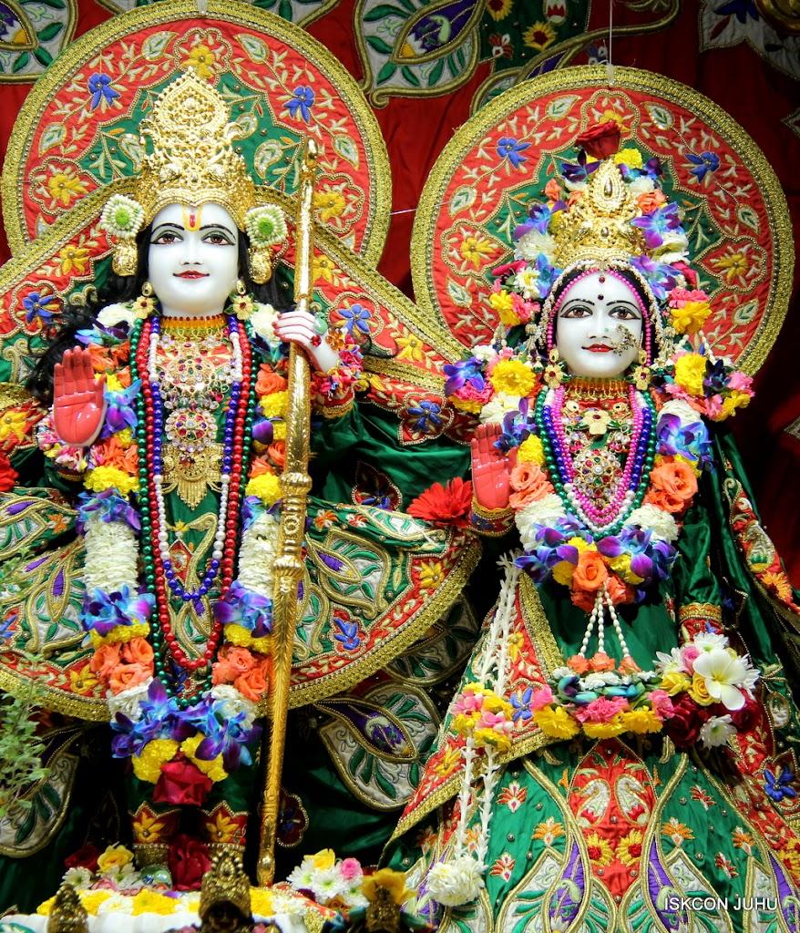 ISKCON Juhu Sringar Deity Darshan 09 Feb 16 (28)