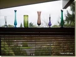 Line o' vases