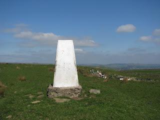 Stang Top Moor Triangulation Pillar (324 metres)