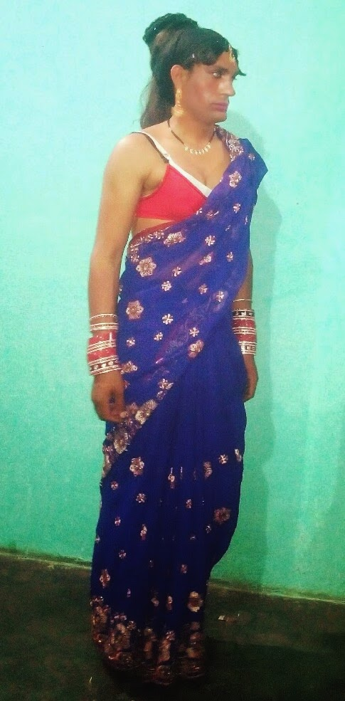 Labyboy In Saree