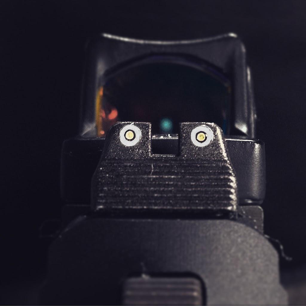 nx_fnx_tritium_sights_light.jpg
