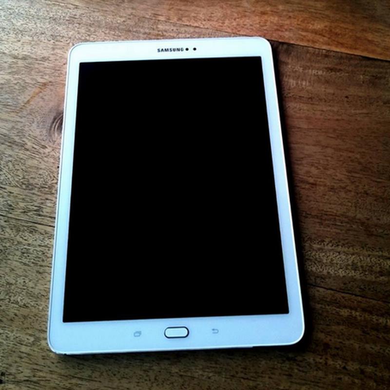 Samsung Tab S2 patut jadi pilihan.