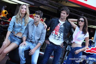 Хайме Альгерсуари и Марк Уэббер на фотосессии на Гран-при Монако 2011