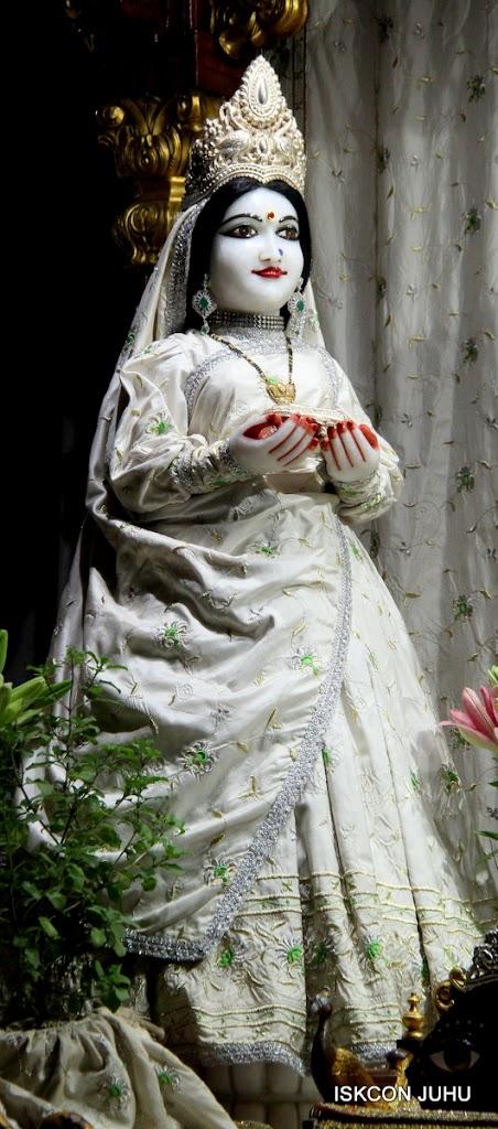 ISKCON Juhu Mangal Deity Darshan 21 Jan 16 (12)
