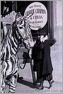 falando-ao-celular-1929
