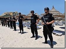 Poliziotti in spiaggia