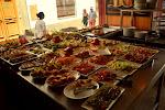 bufet lunchowy - za 10 euro jesz do woli, a za 2 dostaniesz małe piwko i porcje dwóch wybranych przekąsek