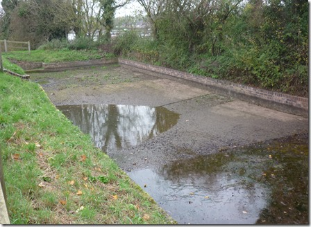 2 drained side pond hanbury 1
