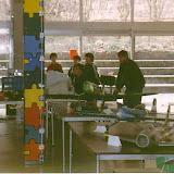 Ausstellung 2002 Weidigschule: der Flugsimulator wird umlagert