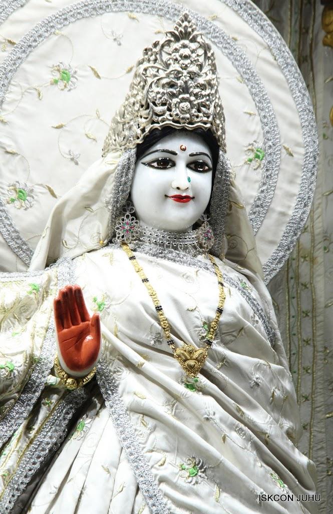 ISKCON Juhu Mangal Deity Darshan 21 Jan 16 (28)