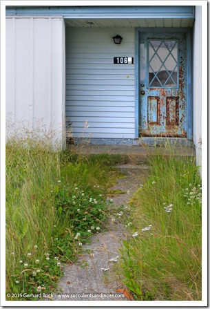 150907_Adak_rusted_door_WM