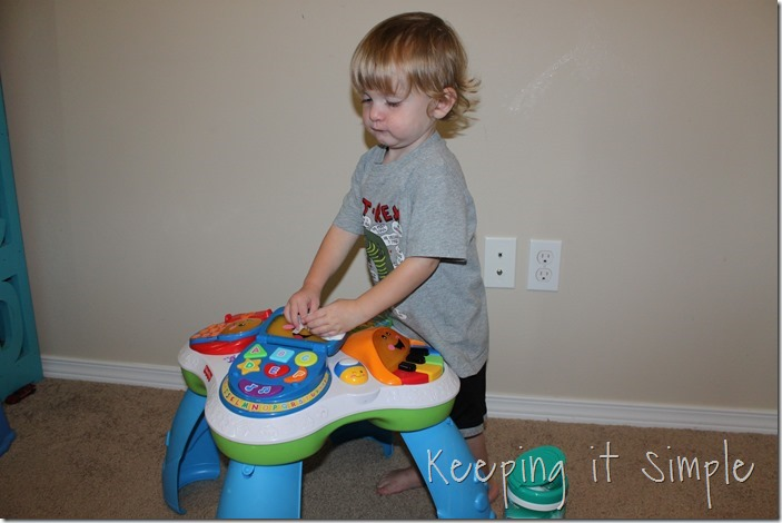 #ad Chores-That-Toddlers-Can-Do #BacktoClean (9)