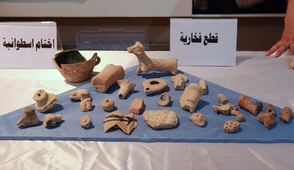 US returns Iraqi artefacts recovered in Syria raid