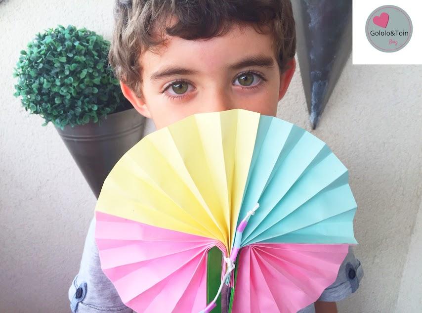 abanico-folio-colores-palos-helado-manualidades-diy-niños-verano-faciles