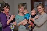Barsel bliver lidt sjovere, når vennerne også får børn. Her er det Josephine med Liva og Karoline med Balder.