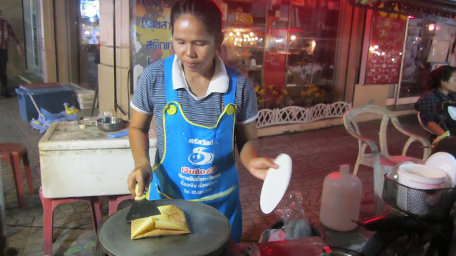 Pancake lady at the night market.