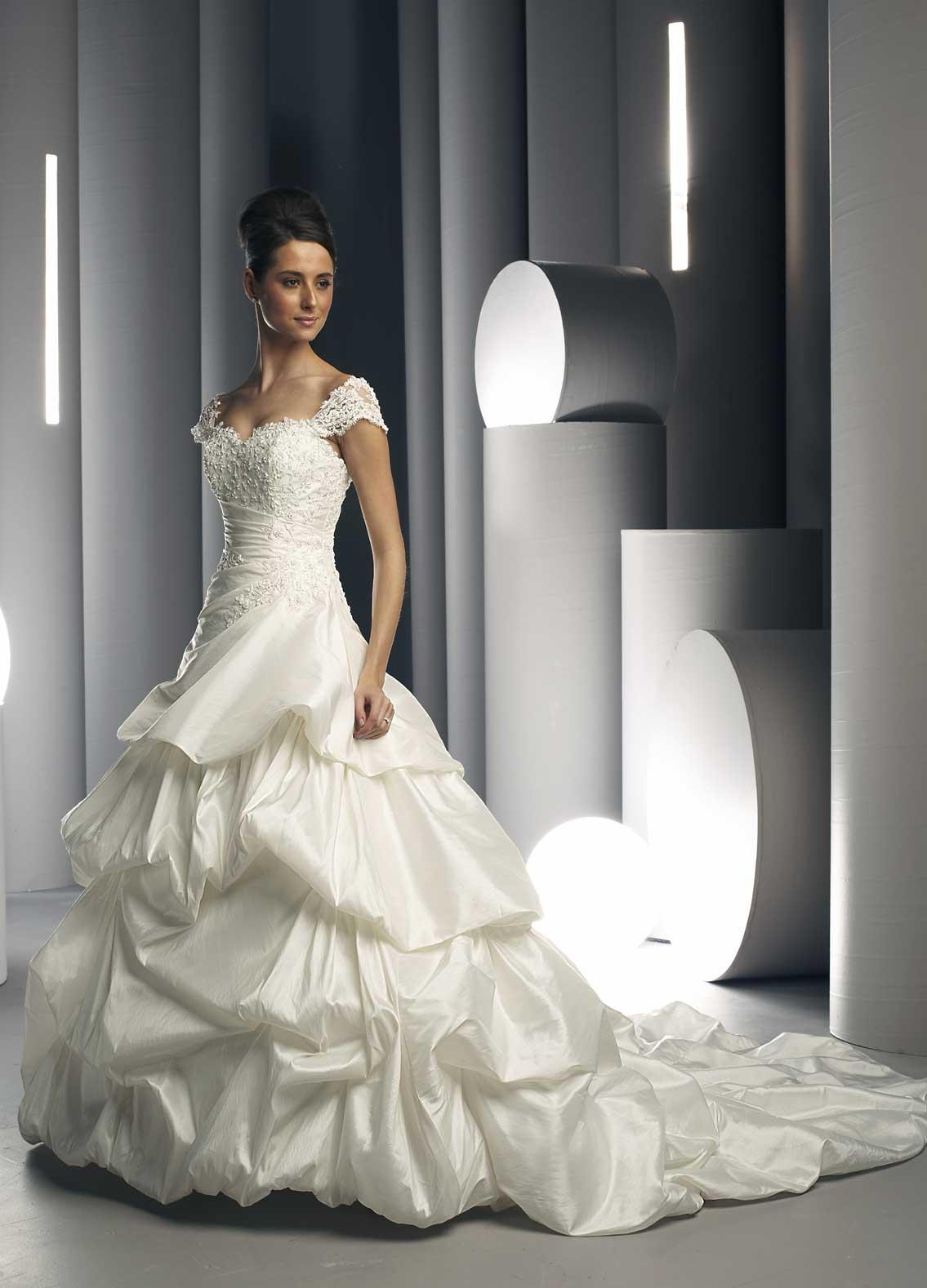 Faustine\'s blog: greek goddess wedding gown