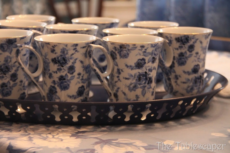 blue table & grey plaid pitchers 075