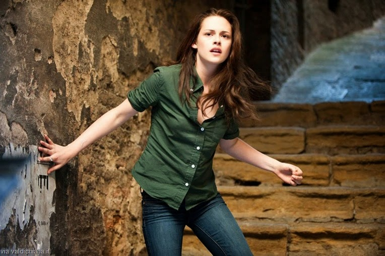 bella-kristen-stewart-in-un-vicolo-di-montepulciano-nel-film-the-twilight-saga-new-moon-137313