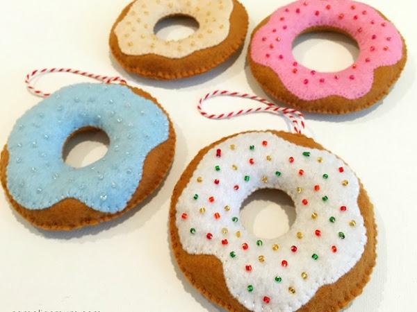 Donut Decorations: Tutorial + Pattern {Handmade Christmas}