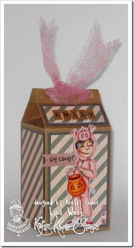Piggy Trick or Treating (1)