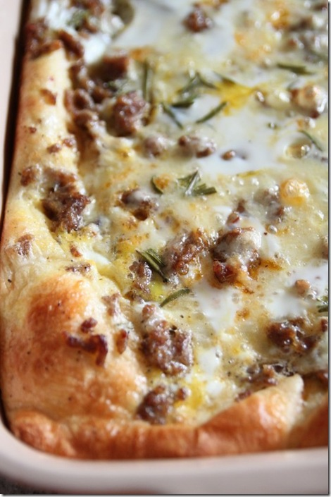 Crescent-roll-Breakfast-Casserole-with-egg-sausage-and-cheese