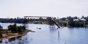 The bridge crossing the canal to Ambila Lemaitso, you can see why the train was no longer working. ;-)