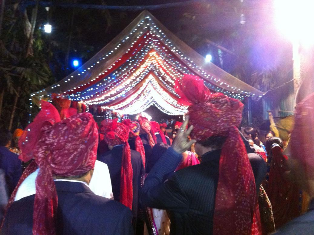 Indian weddings POP with
