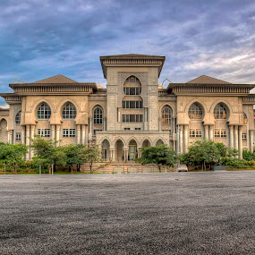 Istana Kehakiman by Zulkifli Yusof - Buildings & Architecture Public & Historical