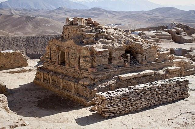 800px-Mes_Aynak_stupa