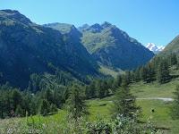 Runter auf der Nordrampe den Kleinen St. Bernard und weiter ins Aostatal.