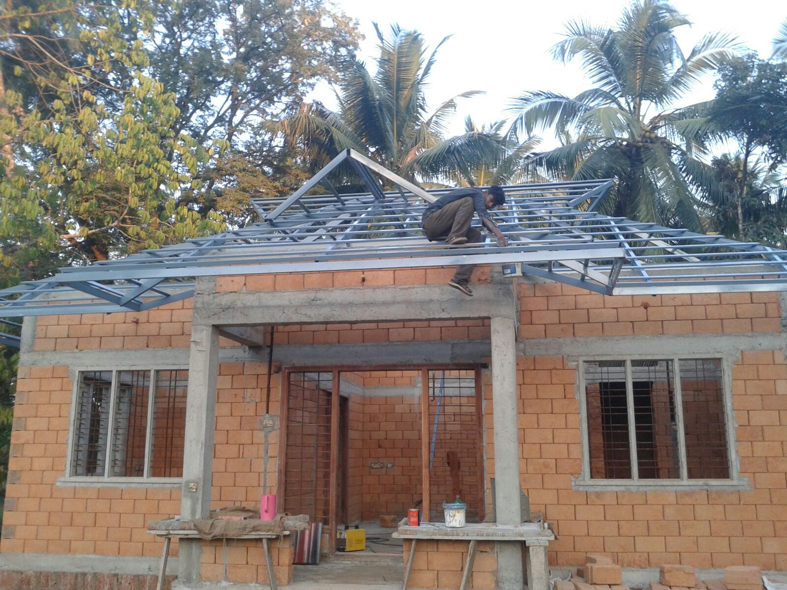 A guide to low cost house construction methods in kerala for Low cost home construction