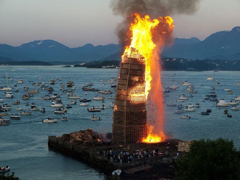 alesund-bonfire-6