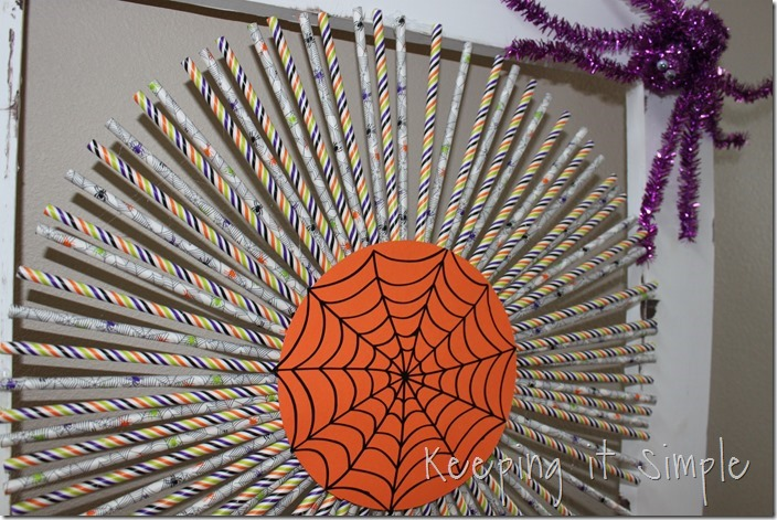 Halloween-decor-idea-paper-straw-wreath (11)