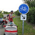 19e Vakantiefietserstickertje bij Point du Hoc. Hoera 120 meter fietspad!