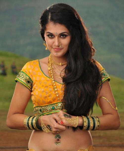 Tapsee hot (22)