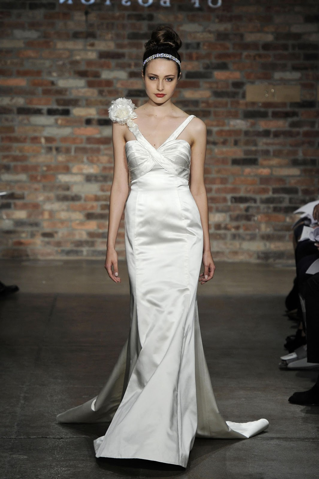 allure fall 2009 wedding gown