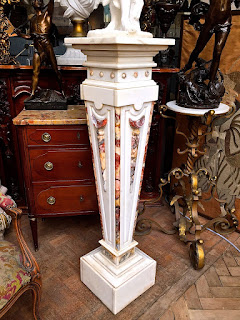 Антикварный постамент из мрамора. ок.1890 г. Высота 120 см. 4500 евро.