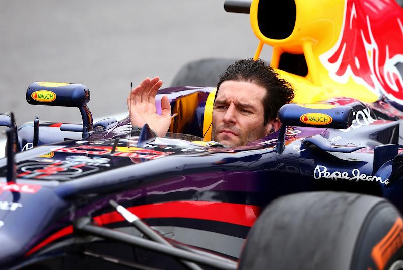 Марк Уэббер без шлема на круге возвращения Гран-при Бразилии 2013