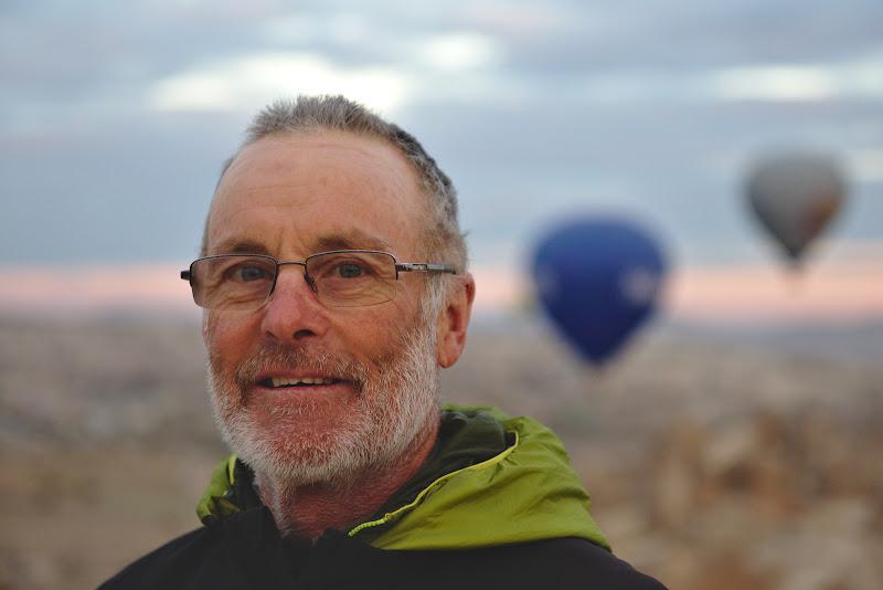 Grum, explorand lumea la 61 de ani.