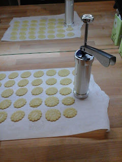 Presse à biscuit, façonnage