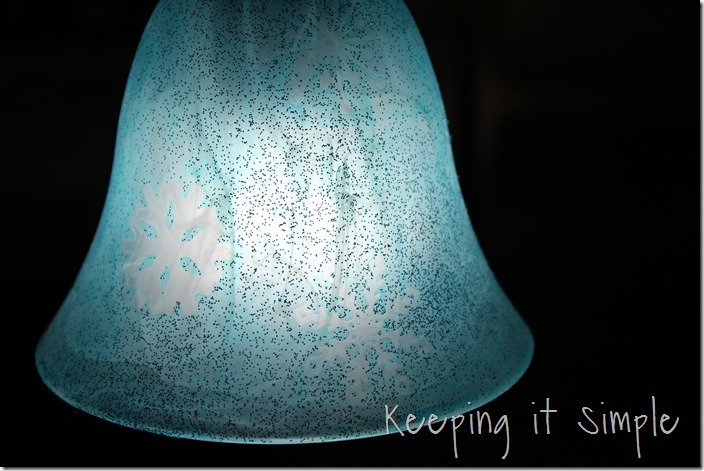 Holiday-turquoise-lights-with-glittery-snowflakes  (18)