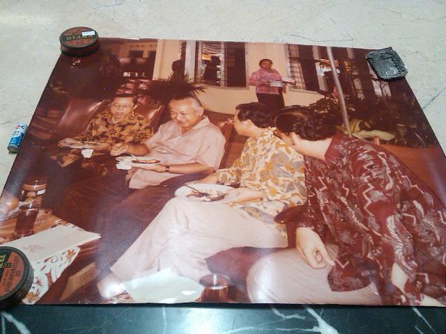 Foto Besar Pak Harto dan Pengusaha