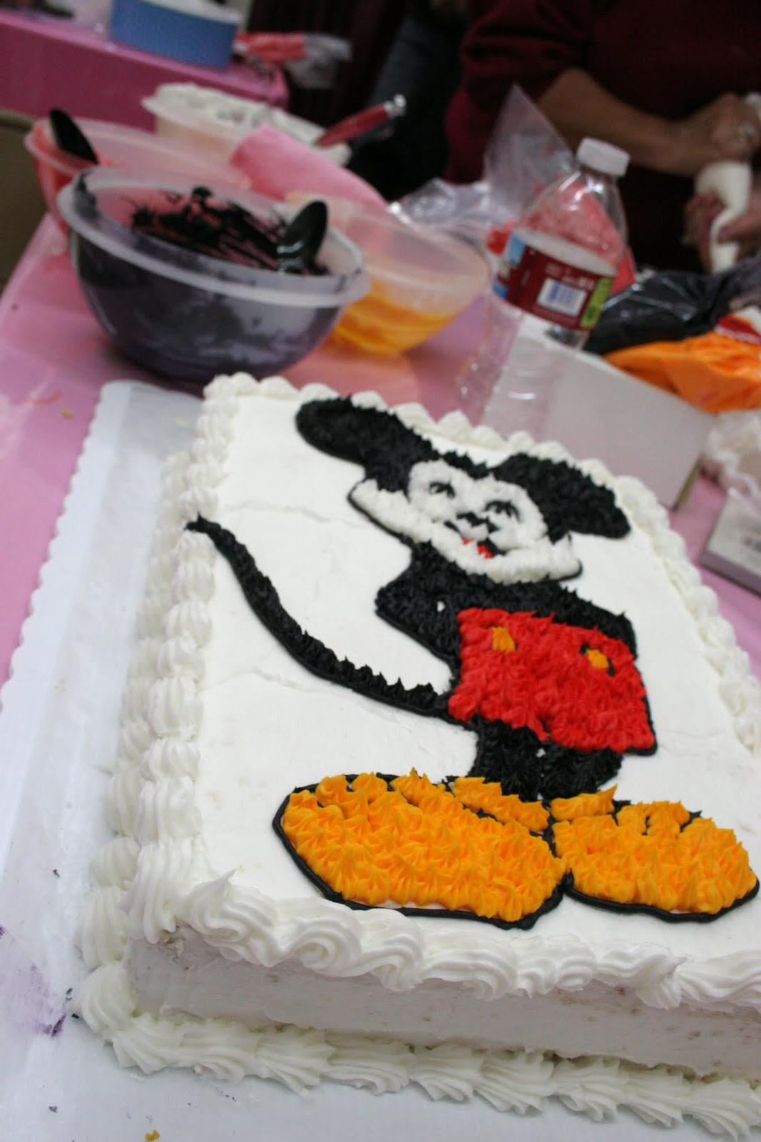 winter mickey wedding cakes