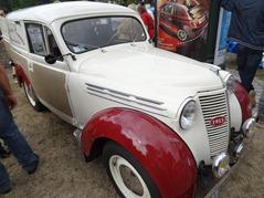2015.07.19-003 Renault Juvaquatre 1955 publicitaire