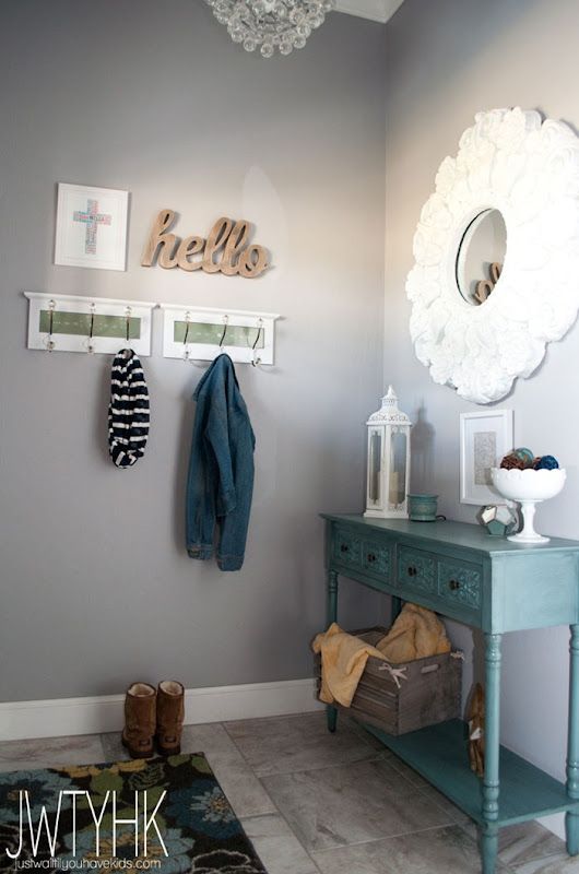 A cozy entryway makeover