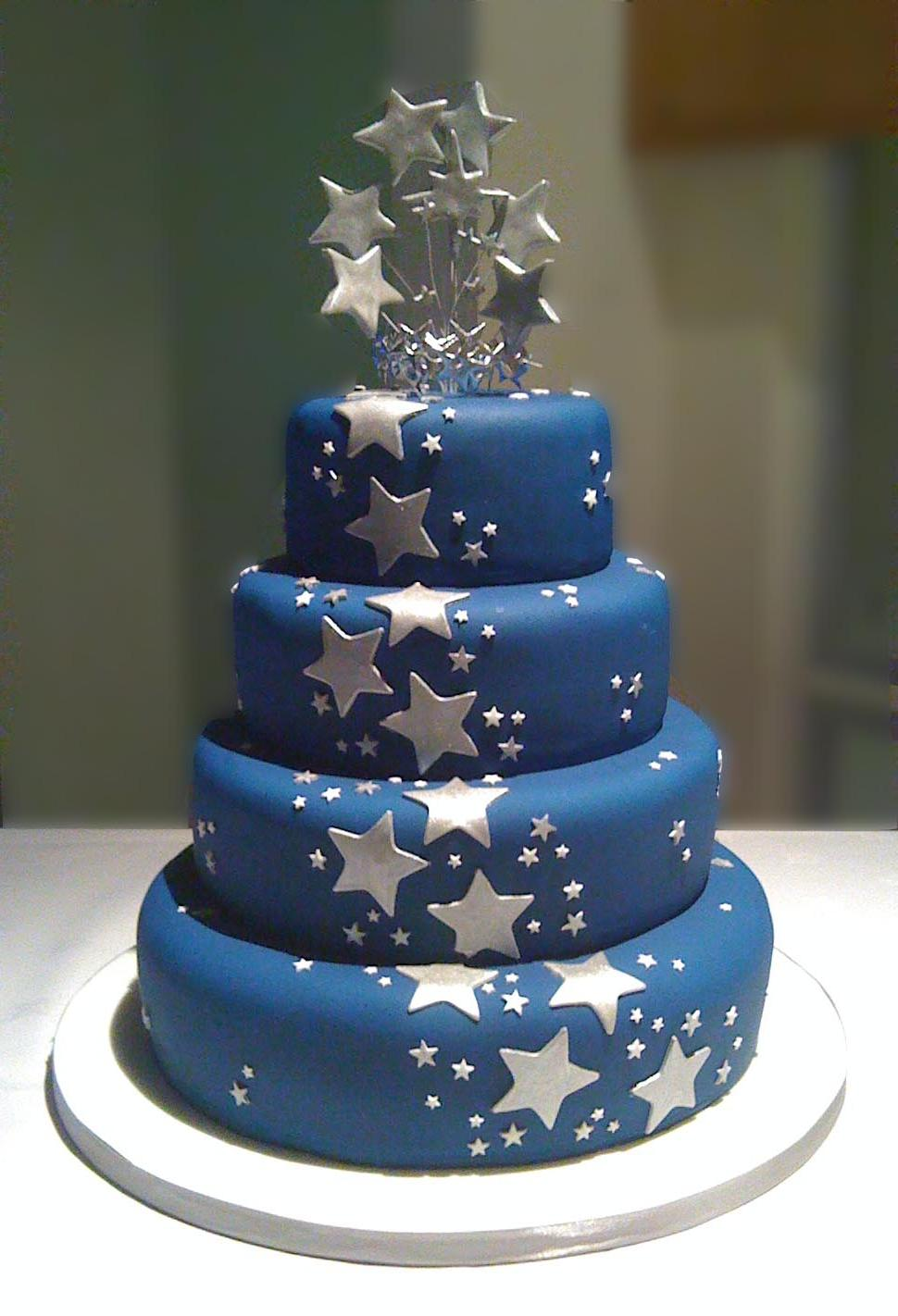 wedding cakes navy blue silver