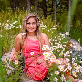 2018 senior girl by Elizabeth Loera - People Portraits of Women ( idaho, soda springs, class of 2018, senior photography, senior )