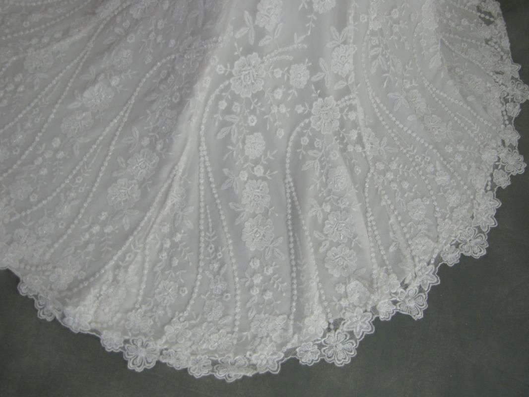 Ivory Encore Wedding Dress
